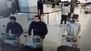 Terroristas em aeroporto internacional de Bruxelas Fonte: BBC