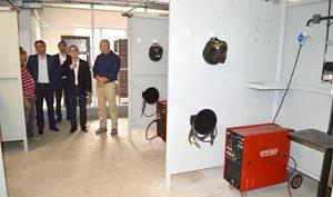 Findes A comitiva visitou os novos laboratórios de solda da unidade Serra