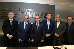 Findes Foto 1 A posse reuniu lideranças políticas e empresariais do Espírito Santo